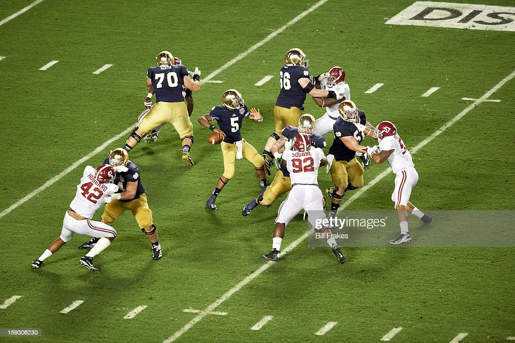 Notre Dame QB Everett Golson (5) in action, passing vs Alabama at Sun Life Stadium. Bill Frakes F57 )