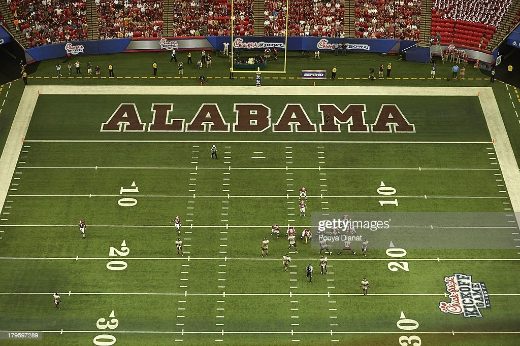 Aerial view of Alabama QB AJ McCarron (10) calling signals vs Virginia Tech at Georgia Dome. Pouya Dianat F4 )