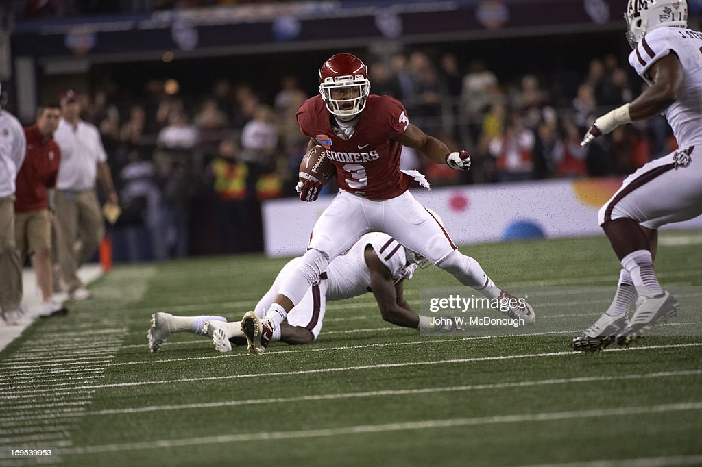 Oklahoma Sterling Shepard (3) in action vs Texas A&M at Cowboys Stadium. John W. McDonough F83 )