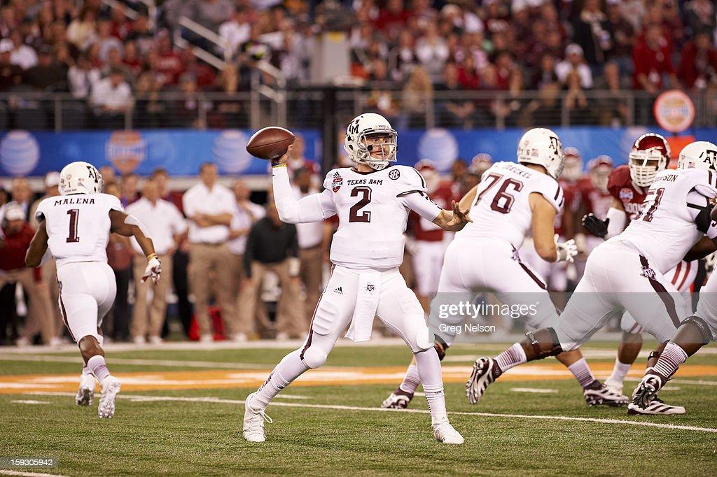 Texas A&M QB Johnny Manziel (2) in action, passing vs Oklahoma at Cowboys Stadium. Greg Nelson F5 )