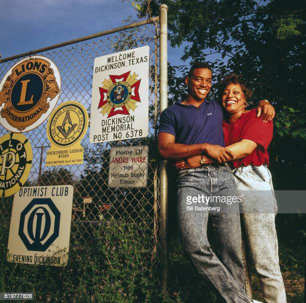 NFL Draft Preview Portrait of University of Houston QB Andre Ware with his mother Joyce during photo shoot Dickson TX CREDIT Bill Ballenberg