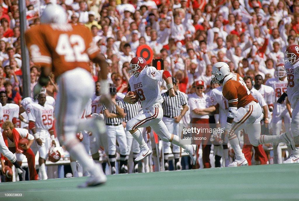 Oklahoma QB Troy Aikman (18) in action vs Texas. Dallas, TX