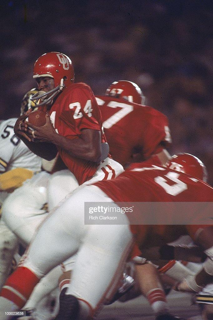 Oklahoma Joe Washington (24) in action, rushing vs Michigan. Miami, FL 1/1/1976