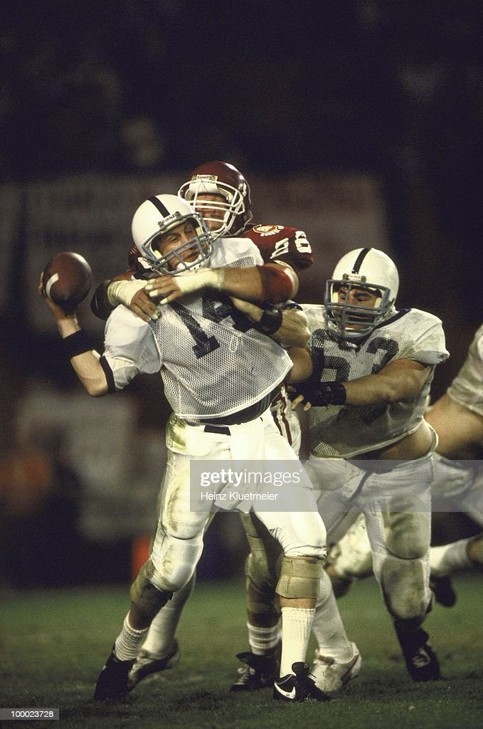 Oklahoma Steve Bryan (86) in action, making sack vs Penn State QB Paul Shaffer (14). Miami, FL 1/1/1986