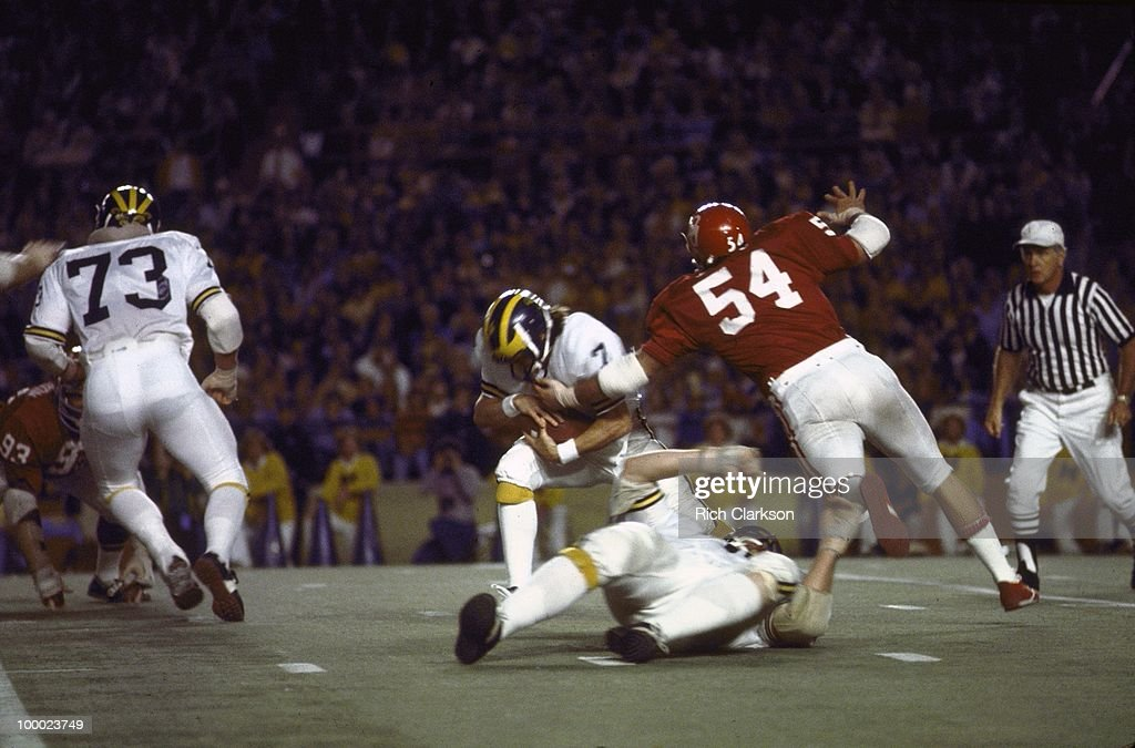Rear view of Oklahoma Jimbo Elrod (54) in action, defense vs Michigan. Miami, FL 1/1/1976