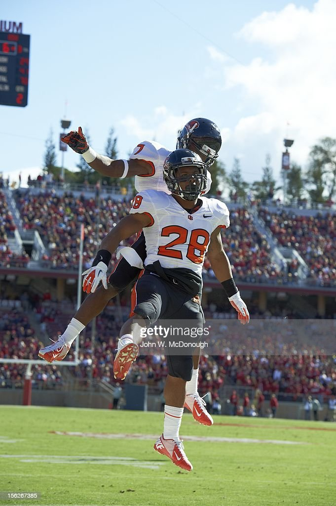 Oregon State Terron Ward (28) victorious during game vs Stanford at Stanford Stadium. John W. McDonough F88 )