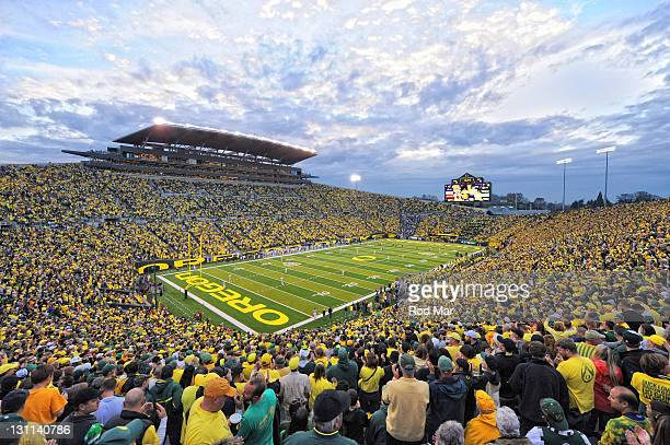 Overall view of Oregon kickoff to UCLA during game at Autzen Stadium Eugene OR CREDIT Rod Mar