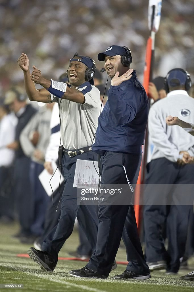 Penn State coach Bill O'Brien on sidelines during game vs Ohio State at Beaver Stadium. Simon Bruty F306 )