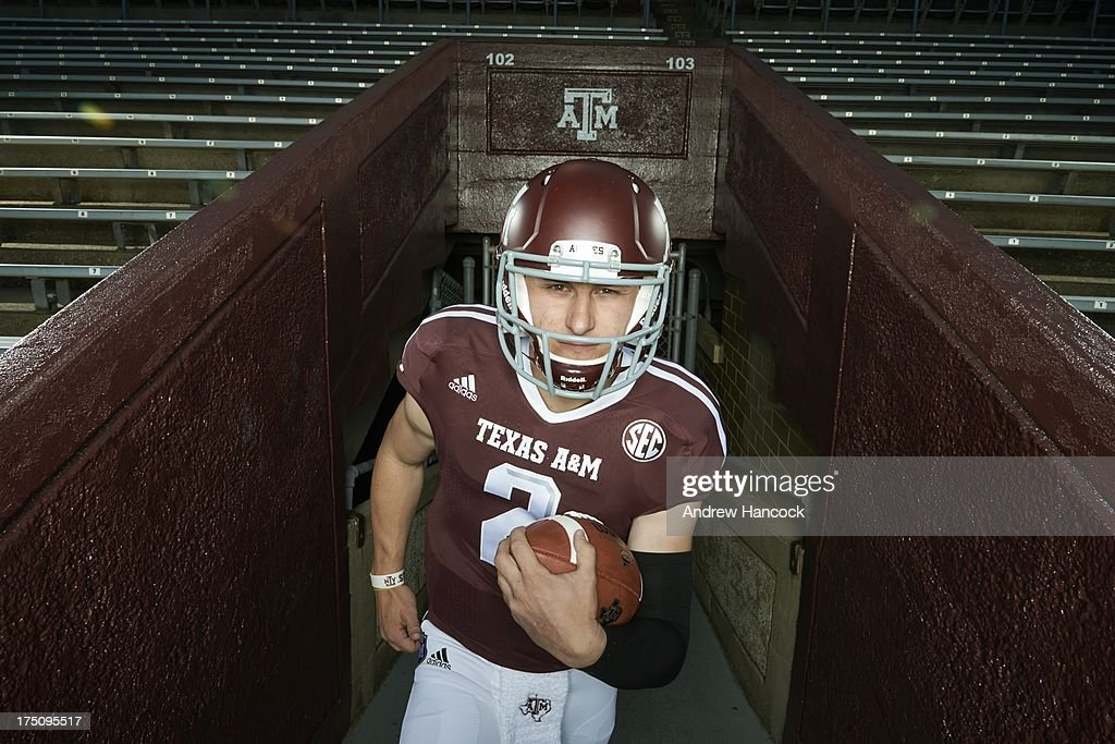 Portrait of Texas A&M QB Johnny Manziel (2) during photo shoot at Kyle Field. Andrew Hancock F7 )