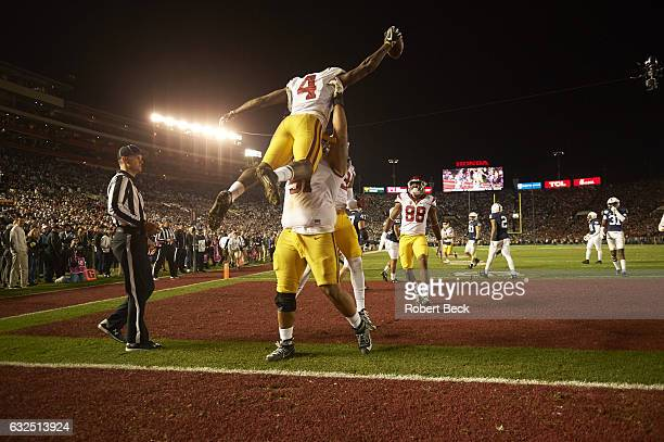 Rose Bowl USC Chris Hawkins victorious with Damien Mama during game vs Penn State at Rose Bowl Pasadena CA CREDIT Robert Beck