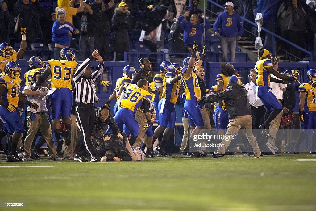 San Jose State players victorious on sidelines during game vs BYU at Spartan Stadium. Jed Jacobsohn F1197 )