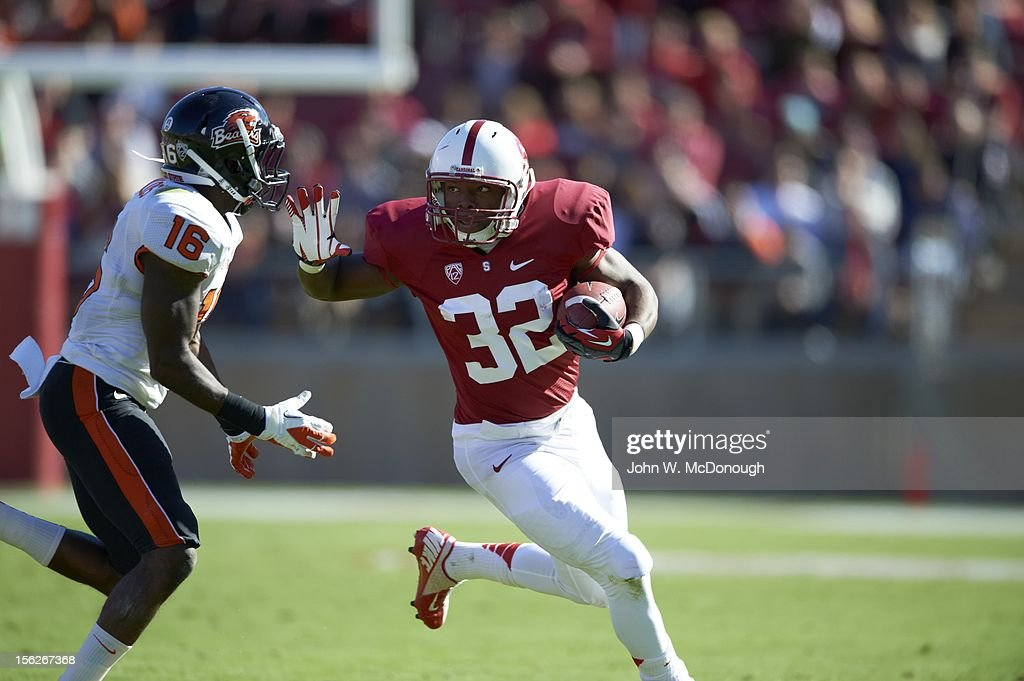 Stanford Anthony Wilkerson (32) in action, rushing vs Oregon State at Stanford Stadium. John W. McDonough F113 )