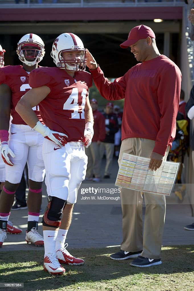 Stanford Cason Kynes (41) with head coach David Shaw on sidelines during game vs Oregon State at Stanford Stadium. John W. McDonough F29 )