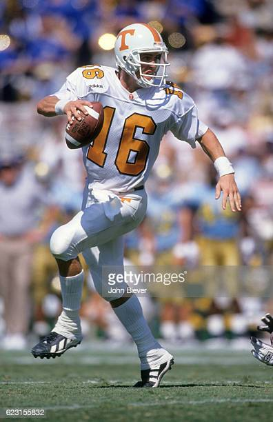 Tennessee QB Peyton Manning in action vs UCLA at Rose Bowl Stadium Pasadena CA CREDIT John Biever