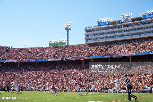 Texas Michael Dickson in action punting vs Oklahoma at Cotton Bowl Dallas TX CREDIT Greg Nelson