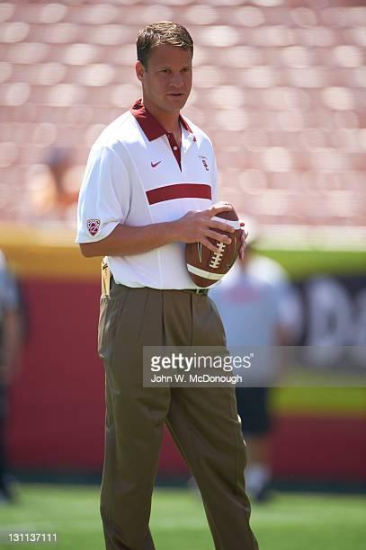 USC head coach Lane Kiffin before game vs Minnesota at Los Angeles Memorial Coliseum Los Angeles CA CREDIT John W McDonough