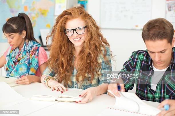 Étudiants dans une salle de classe.