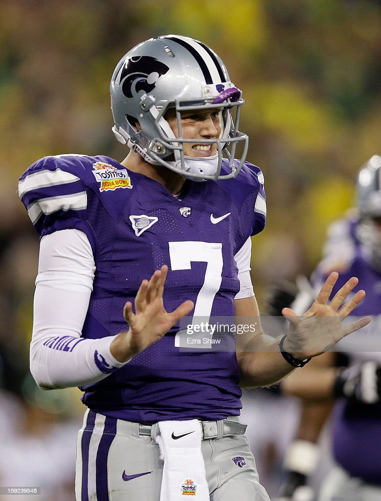 Collin Klein #7 of the Kansas State Wildcats reatcs during the Tostitos Fiesta Bowl against the Oregon Ducks at University of Phoenix Stadium on January 3, 2013 in Glendale, Arizona.