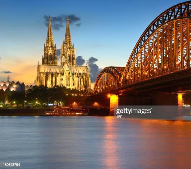 Kölner Dom bei Sonnenuntergang (XXXL)