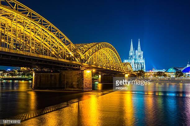Köln city panorama bei Nacht