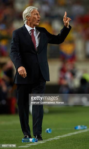 Colombia manager Jose Pekerman gives instructions during the international friendly match between Spain and Colombia at Nueva Condomina Stadium on...