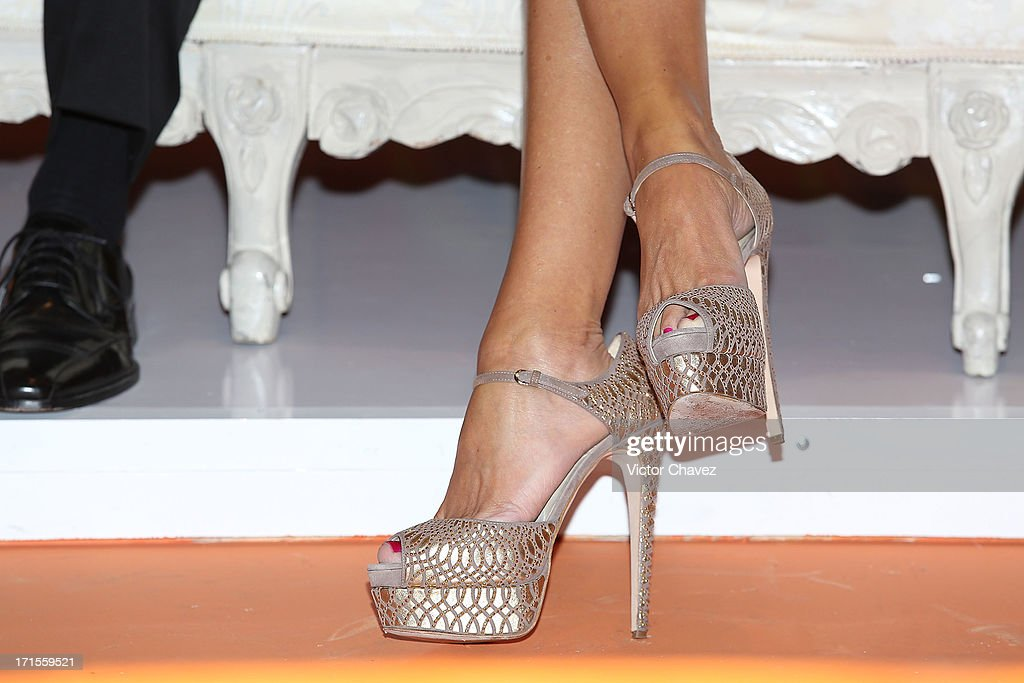 Colombian actress Sofia Vergara (shoe detail) attends the Ace campaign press conference at Four Seasons Hotel on June 26, 2013 in Mexico City, Mexico.