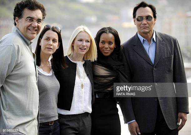 Colombian director Rodrigo Garcia producer Julie Lynn British actress Naomi Watts and US actors Kerry Washington and Jimmy Smits pose on September 26...