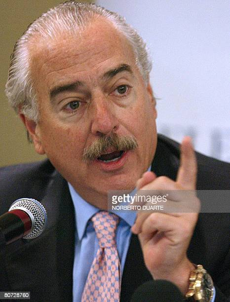 Colombian former president Andres Pastrana gives a press conference in Asuncion on April 17 2008 Pastrana is in Paraguay heading a group of observes...