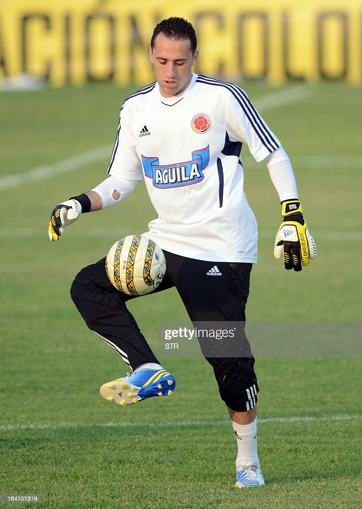 Colombian goalkeeper David Ospina controls the ball during a training session of the Colombian national football team in Barranquilla, Colombia on March 19, 2013. Colombia will face Bolivia on March 22 and Venezuela on March 26 in Brazil 2014 FIFA World Cup South American qualifier matches.