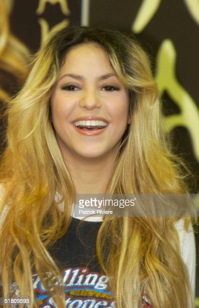 APRIL 2002 Colombian Pop Star Shakira was signing CDs at a Virgin Megastore in Melbourne Australia Controversy arose when the many fans attending had...