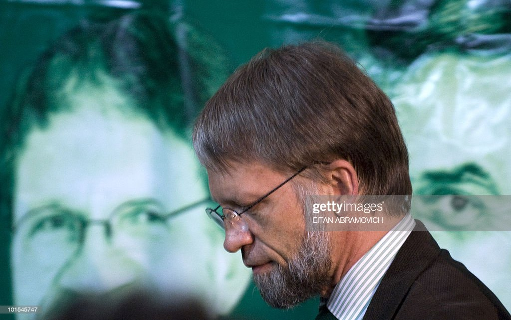 Colombian Presidential candidate for the Green Party Antanas Mockus arrives at a press conference in Bogota on June 1, 2010. The results of Sunday's elections in Colombia gave Mockus 21,5 percent of the votes, taking him to a run-off election next June 20 with the presidential candidate for the ruling National Unity Party candidate, Juan Manuel Santos, who overtook him with 46,6 percent. AFP PHOTO/Eitan Abramovich