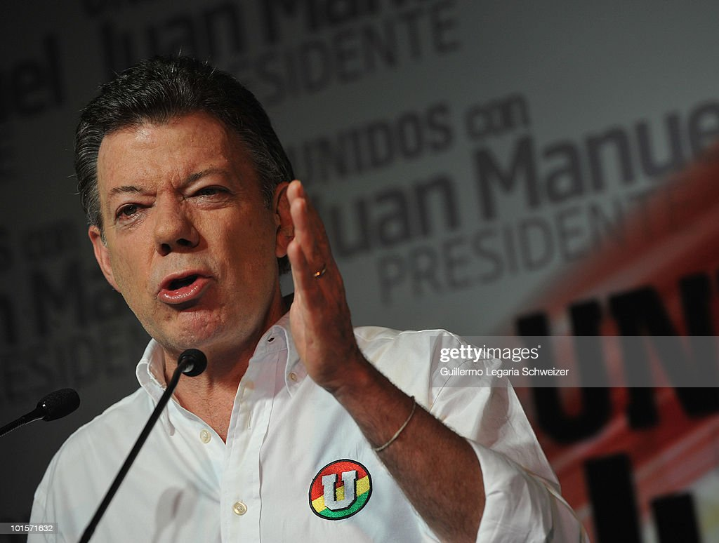 Colombian Presidential candidate Juan Manuel Santos speaks to supporters on May 30, 2010 in Bogota, Colombia. After 99% of the votes were counted, the results gave Santos 46,6 percent of the votes, taking him to a run-off election with Green Party candidate, Antanas Mockus, who followed with 21,5 percent. (Photo by Gal Schweizer/LatinContent/Getty Images