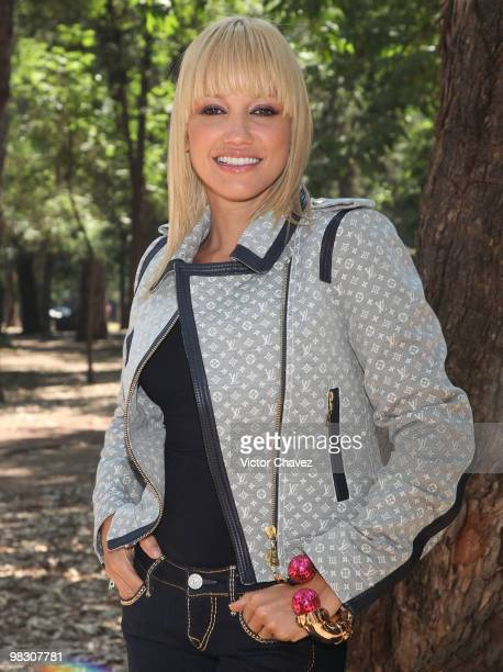 Colombian singer Fanny Lu attends a photocall to promote her latest album 'Dos De Luxe' at Universal Music on April 7 2010 in Mexico City Mexico