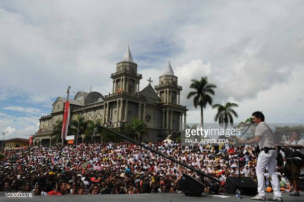 Colombian singer Juanes performs during the celebrations for the Bicentenary of the Independence of Colombia on July 20 2010 in Quibdo Choco...