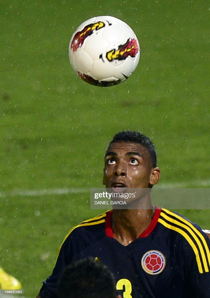 Colombia's defender Delvy Balanta eyes the ball during their South American U-20 final round football match against Ecuador at Malvinas Argentinas stadium in Mendoza, Argentina, on January 20, 2013. Four teams will qualify for the FIFA U-20 World Cup Turkey 2013.