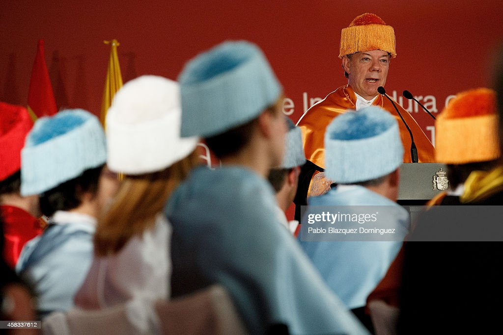 Colombia's President Juan Manuel Santos speaks during a ceremony where he receives an Honorary Doctorate at the Camilo Jose Cela university on November 3, 2014 in Villafranca del Castillo, just outside Madrid, Spain. Juan Manuel Santos is on an official visit to Spain which will follow with visits to other European cities.