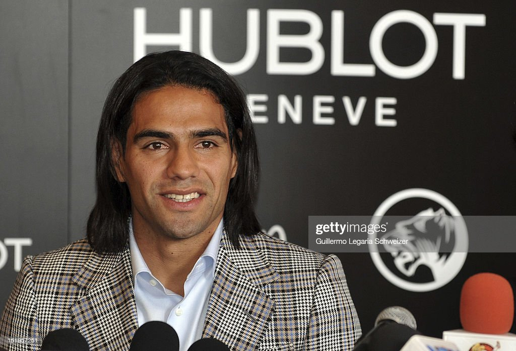 Colombia's soccer player <a gi-track='captionPersonalityLinkClicked' href=/galleries/search?phrase=Radamel+Falcao&family=editorial&specificpeople=3022104 ng-click='$event.stopPropagation()'>Radamel Falcao</a> Garcia smiles during a press conference to announc his support for the foundation Futbol Con Corazon on September 12, 2012 in Bogotá, Colombia.