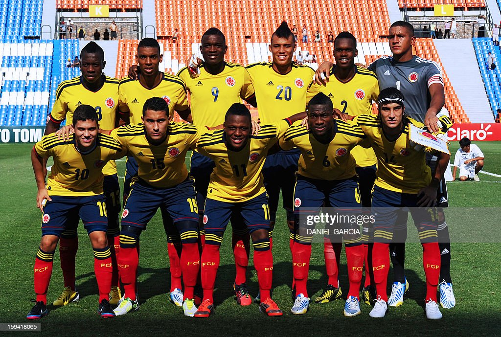 Colombia's team poses before their Group A South American U-20 qualifier football match against Chile at Malvinas Argentinas stadium in Mendoza, Argentina, on January 13, 2013. Four teams will qualify for the FIFA U-20 World Cup Turkey 2013.