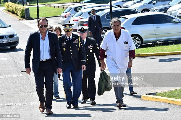 Colonel Brendan B McAloon the defense attache for the US Army in Paris arrives accompanied by Doctor Patrick Goldstein at the Lille Sud clinic in...