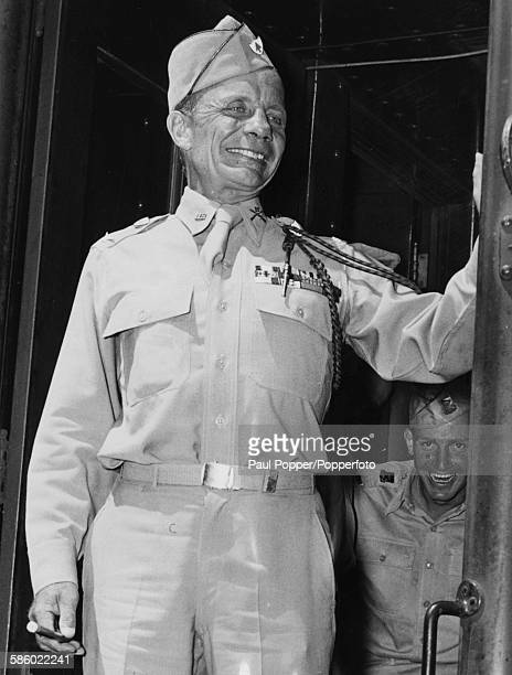 Colonel Theodore Roosevelt Jr son of former President of the United States Teddy Roosevelt smiles as he leaves New York on a train bound for Fort...