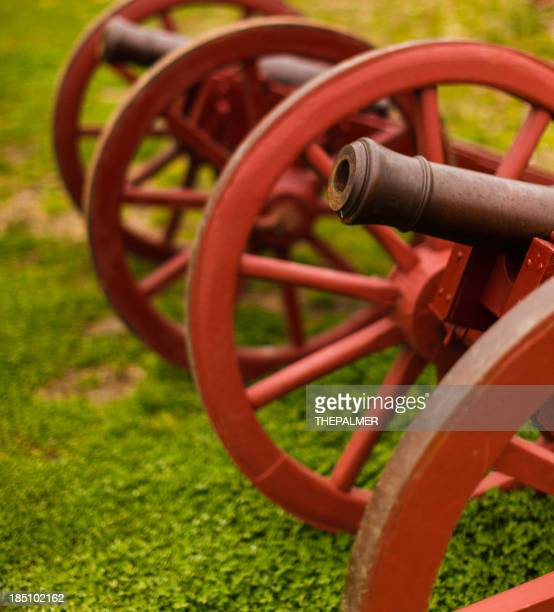 colonial style cannons