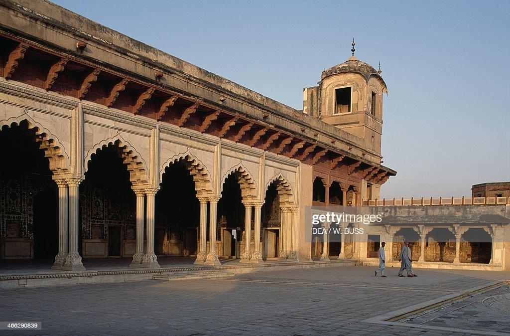 Colonnade of Sheesh Mahal (Palace of Mirrors), Lahore, Punjab, Pakistan, 17th century.