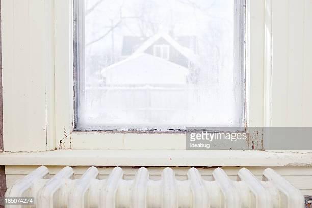 Farbe Bild beschädigt, Verfault Fenster in alten Hause