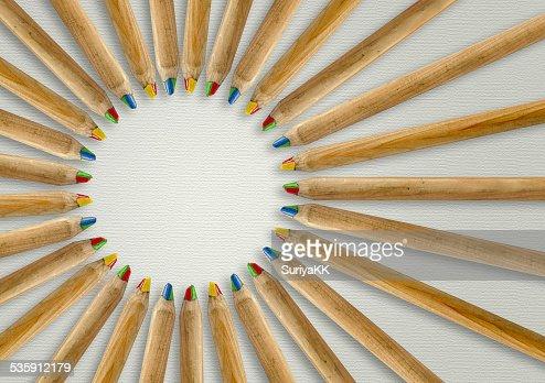 Lápices de Color allign a centro : Foto de stock