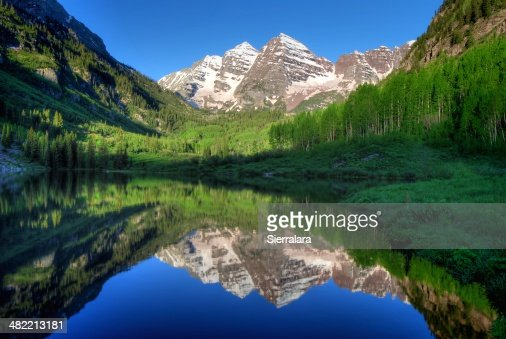 USA, Colorado, Aspen, Maroon Bells in morning