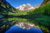 USA, Colorado, Aspen, Maroon Bells in morning