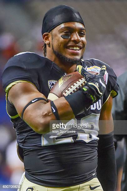 Colorado Buffaloes defensive back Ahkello Witherspoon warms up before the game between the Oklahoma State Cowboys and Colorado Buffaloes on December...