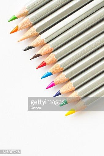 Lápis de Cor em fundo branco : Foto de stock