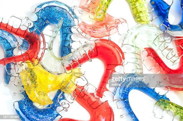 Colorido aparatos de ortodoncia Foto de estudio