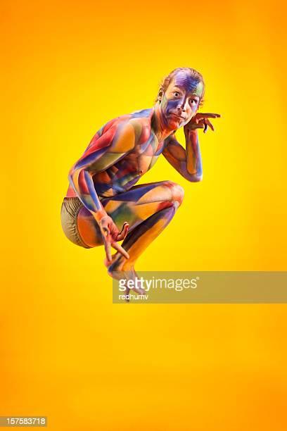 Bunte Kubismus Mann auf hellem Gelb Hintergrund